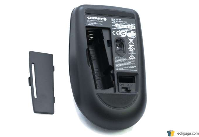 CHERRY DW 3000 Wireless Combo - Mouse Battery Compartment