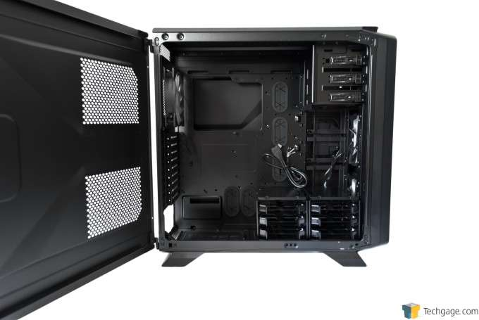 Corsair Graphite 730T Chassis - Interior