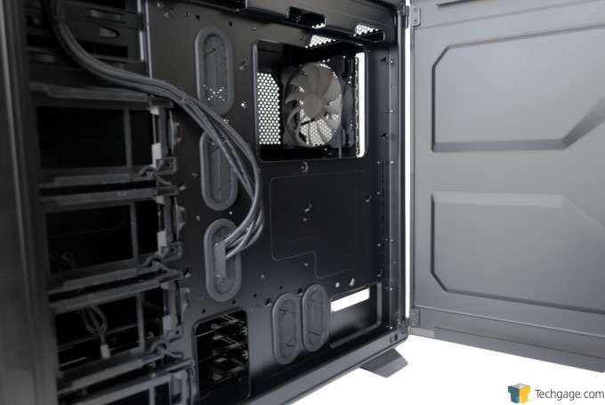 Corsair Graphite 730T Chassis - Rear of the motherboard tray