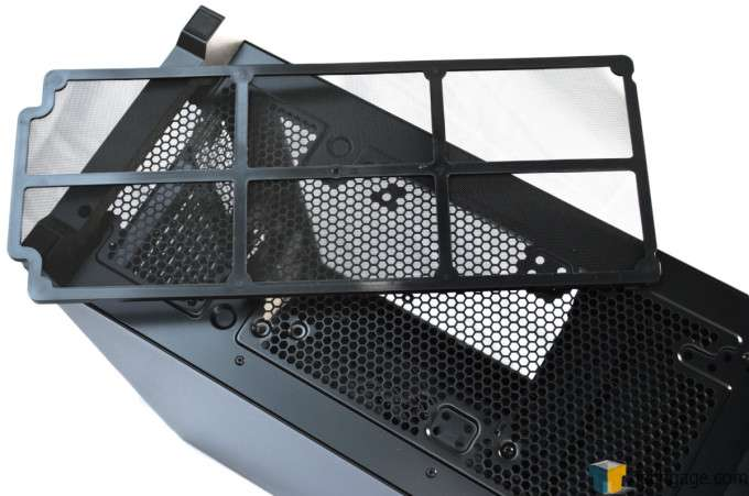 Corsair Obsidian 450D Chassis - Bottom Dust Filter Removed