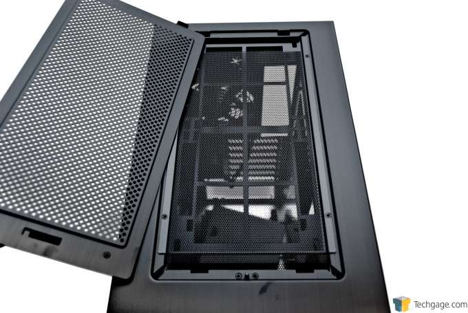 Lian Li PC-A61 - Roof and Vent Panel Removed