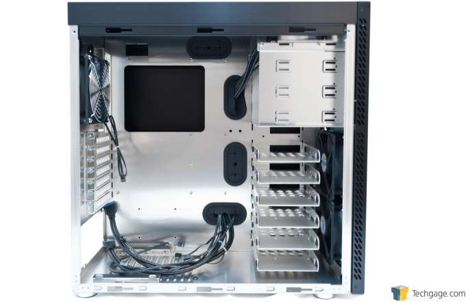 Lian Li PC-A61 - Interior