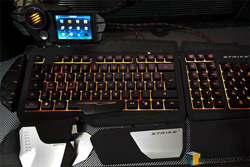 Mad Catz STRIKE 7 Keyboard Lit Up