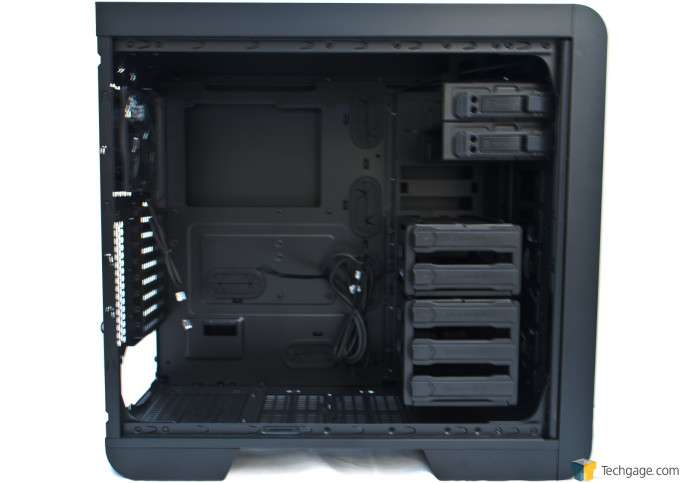 Thermaltake Core V51 - Interior