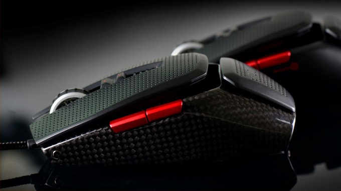 EVGA's TORQ X10 Gaming Mouse Features Real Carbon Fiber, Adjustable Design