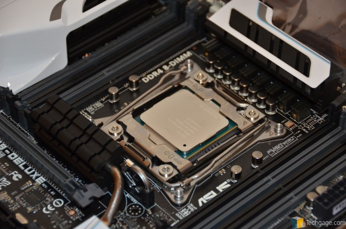 Intel Pro Performance Unboxing - Core i7-5960X Installed in ASUS X99-DELUXE