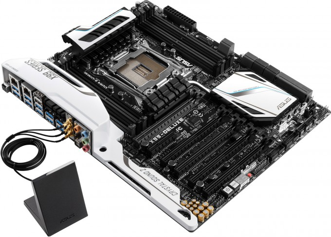 ASUS X99-DELUXE - Overview Shot