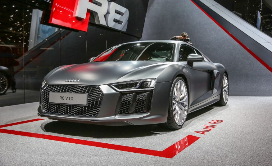 Audi R Angle