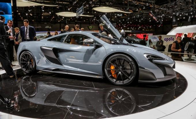 2016 McLaren 675LT - Angle
