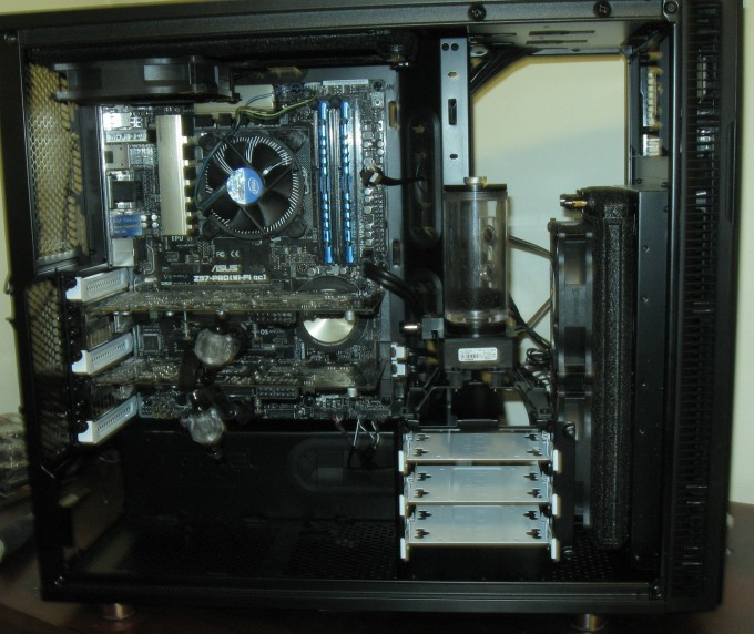 Fractal Design Define R5 Water Cooling - Installed GPUs
