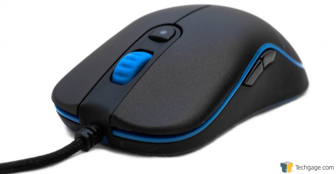 Ozone Gaming Neon Mouse Quarter View 06
