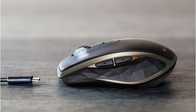 Logitech MX Anywhere 2 Mouse - Promo Shot