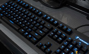 Tesoro Excalibur Mechanical Keyboard - Fully Illuminated_02