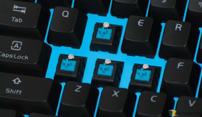 TT Poseidon Z Keyboard - Blue Faceplate & Blue Switches