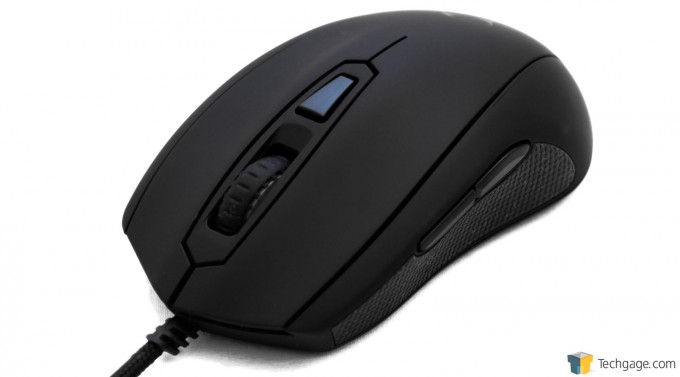 Mionix Castor Gaming Mouse - Press Shot