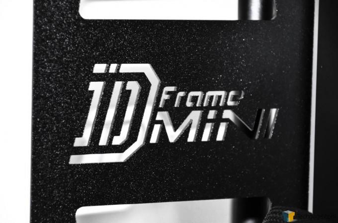 In Win D-Frame Mini - Logo Close-Up