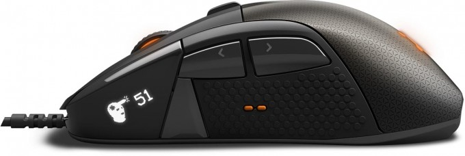 SteelSeries Rival 700 OLED Close-up