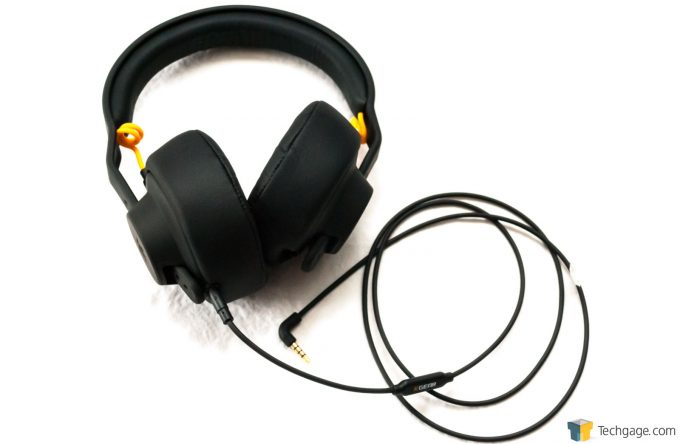 Techgage Review Of The FNATIC Duel Gaming Headset Over The Ear Earcups Installed And Wired