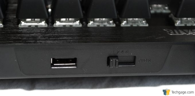 Corsair K70 RAPIDFIRE (6) - USB And Mode Select