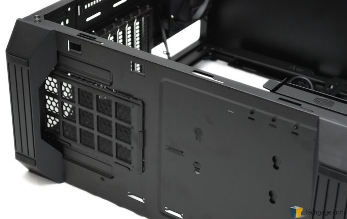 Techgage Review Cooler Master MasterBox 5 Bottom Feet Shot