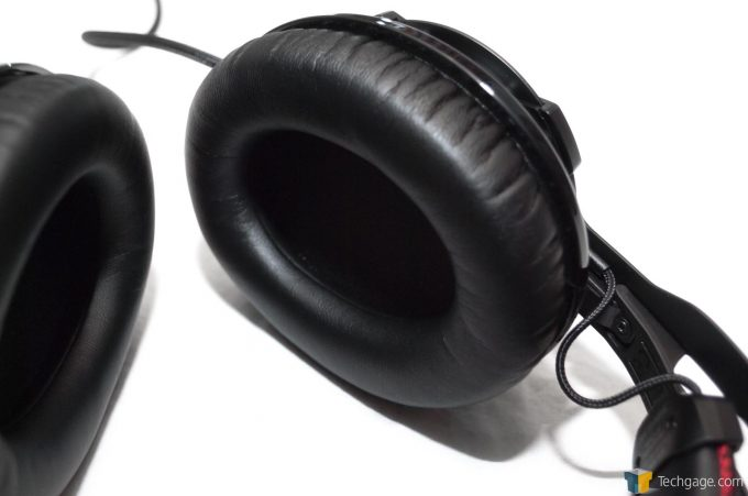 Techgage Review of the HyperX Cloud Revolver Photo Closeup of Ear Cups
