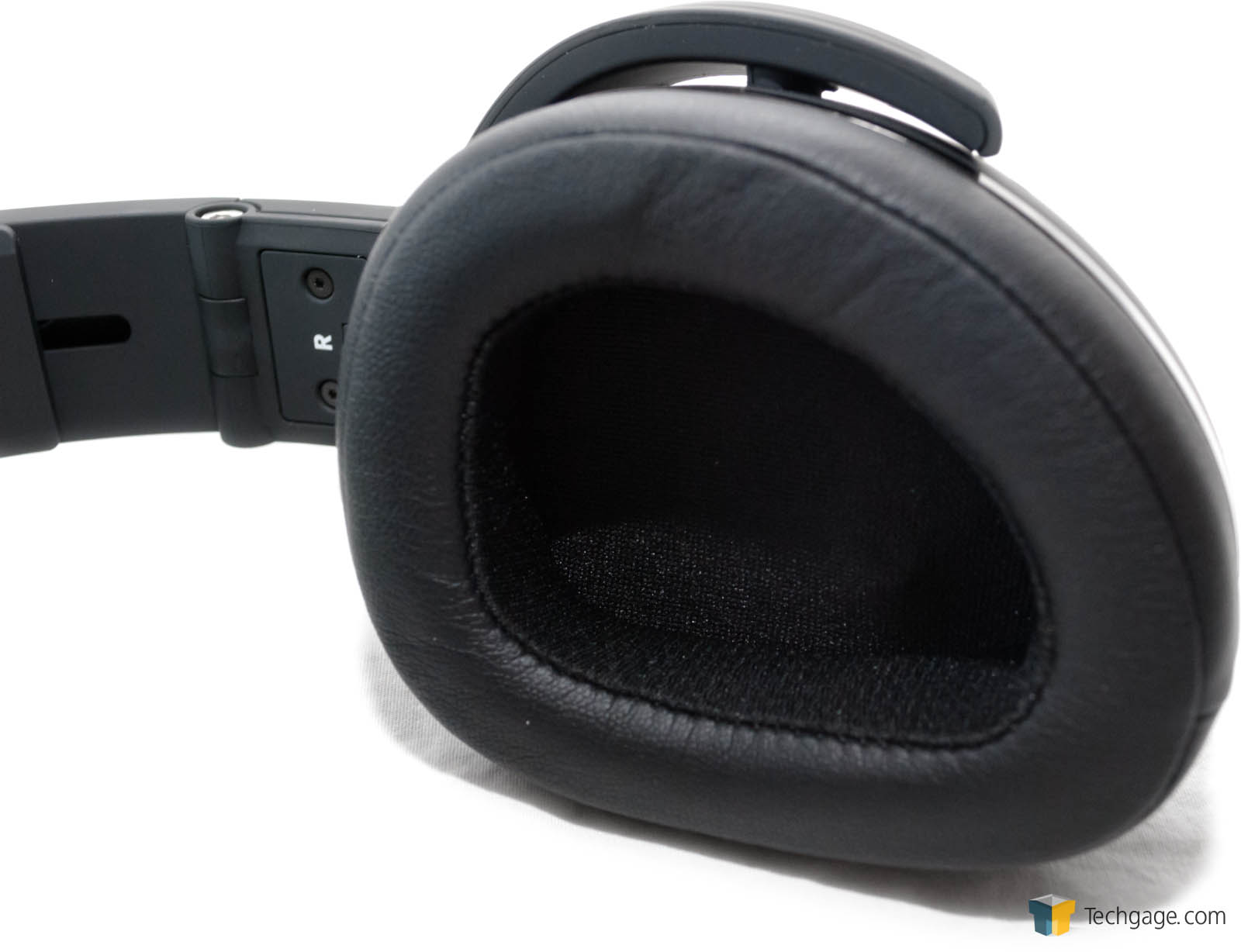 just how noisy are your surroundings a review of the jlab audio flex bluetooth active noise. Black Bedroom Furniture Sets. Home Design Ideas