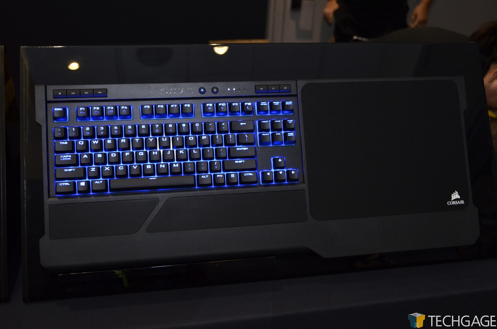 Corsair K63 Wireless Gaming Lapboard - Front