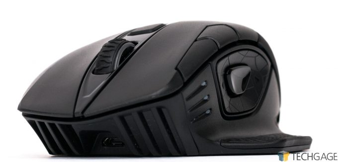 Corsair Dark Core Gaming Mouse - Front View