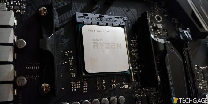 AMD Ryzen 7 2700X Installed In ASUS Crosshair VII HERO