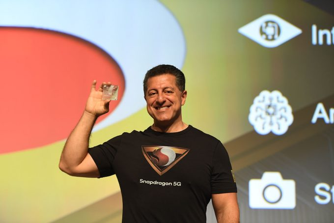 Qualcomm's Alex Katouzian Showing Off Snapdragon 855