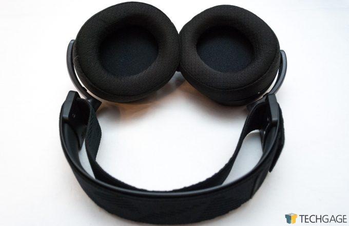 Steelseries Arctis Pro Wireless Main Body Shot Open Ear Cups