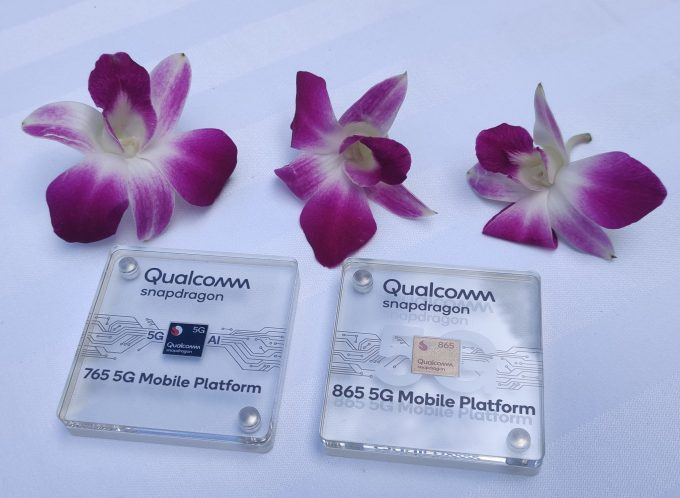 Qualcomm Snapdragon 765 And 865 Chips Close-Up