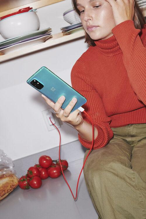 OnePlus 8T - Lifestyle