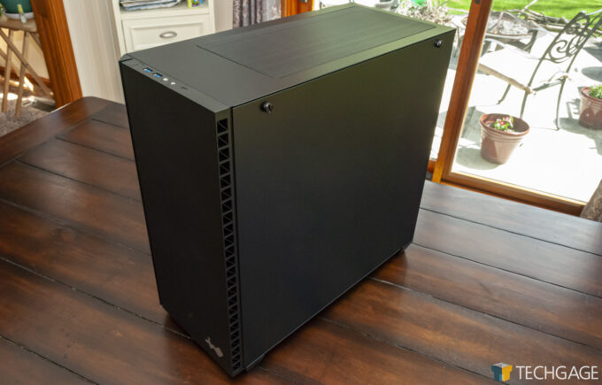 InWin 216 Mid-Tower Chassis - Front Right Side Angle